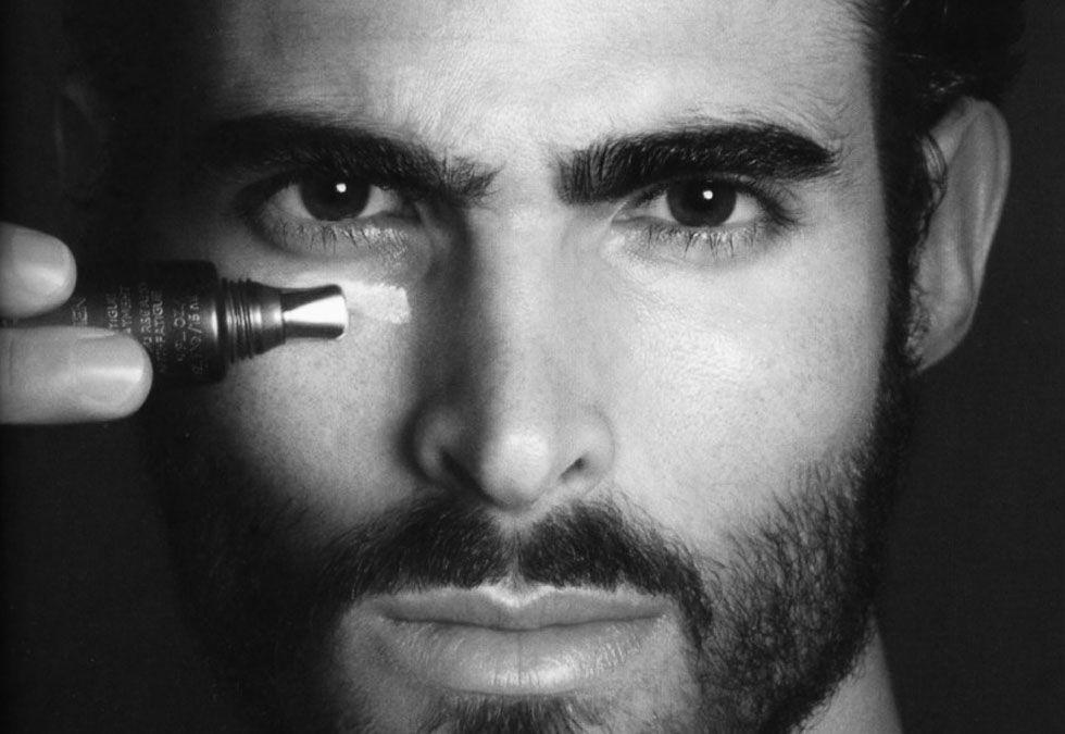 Ojeras y bolsas en hombres: la preocupación masculina